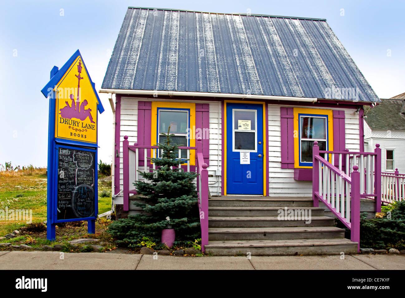Drury Lane Books is a bookstore in Grand Marais, Minnesota in the North Shore area along Lake Superior. - Stock Image