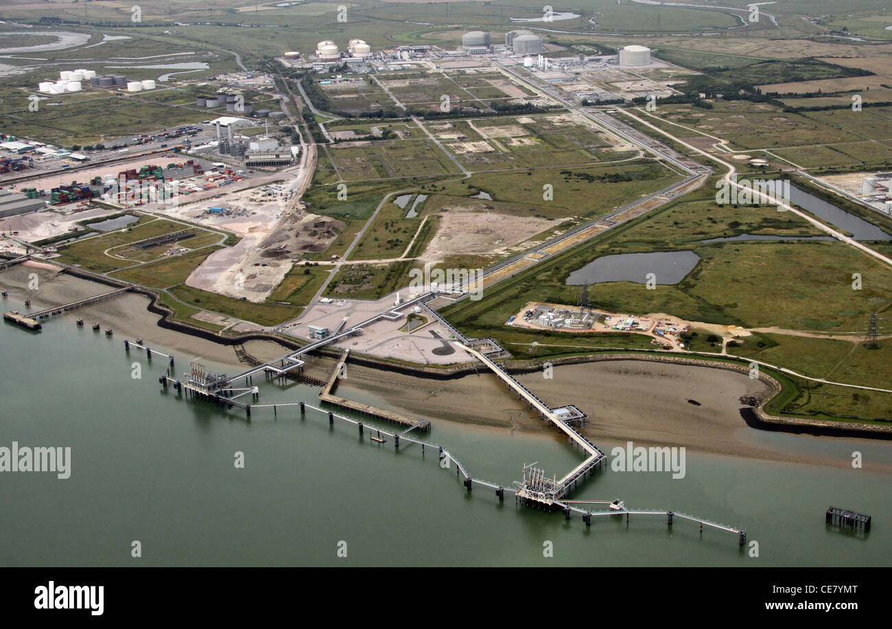 Aerial photograph of a jetty jutting out into the River Medway on the Isle of Grain, Kent - Stock Image