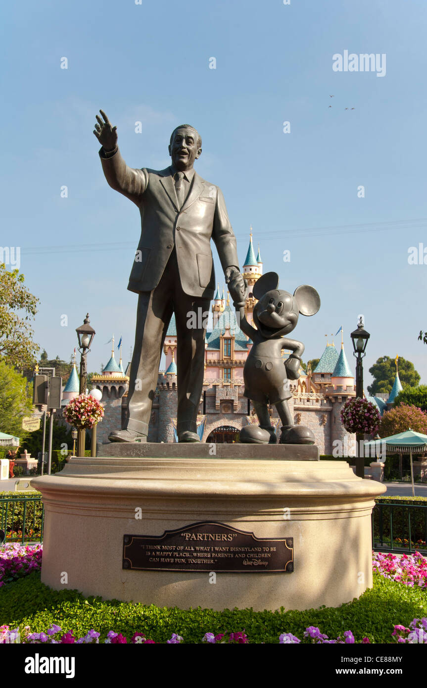 Statue Of Walt Disney And Mickey Mouse At Disneyland Park Anaheim