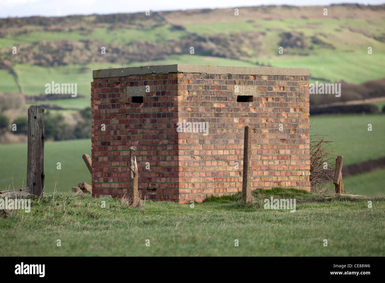 Old World War Two lookout post on the Dorset coast - Stock Image