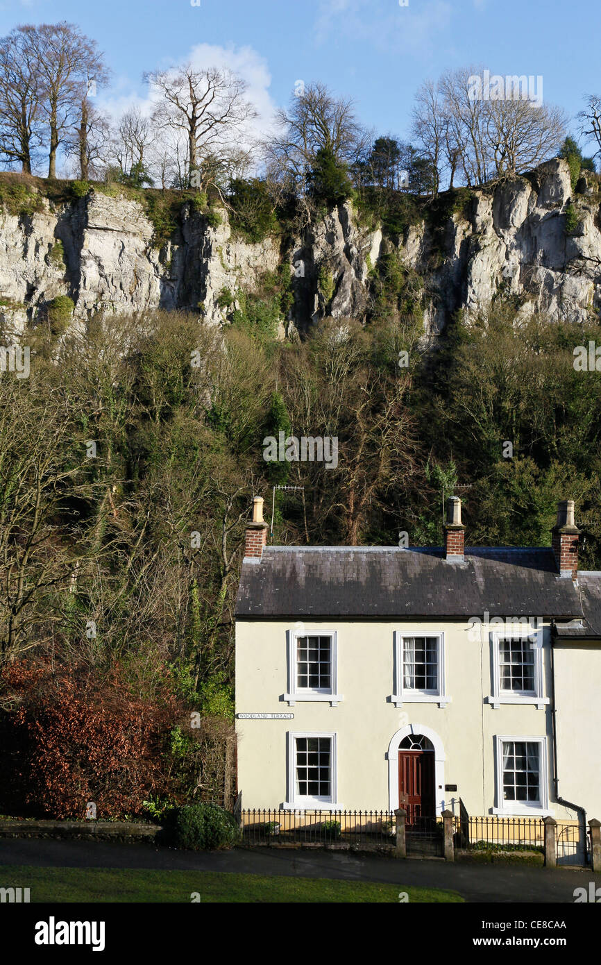 Wondrous Cottages In Front Of Limestone Cliffs At Matlock Bath In The Interior Design Ideas Gentotryabchikinfo