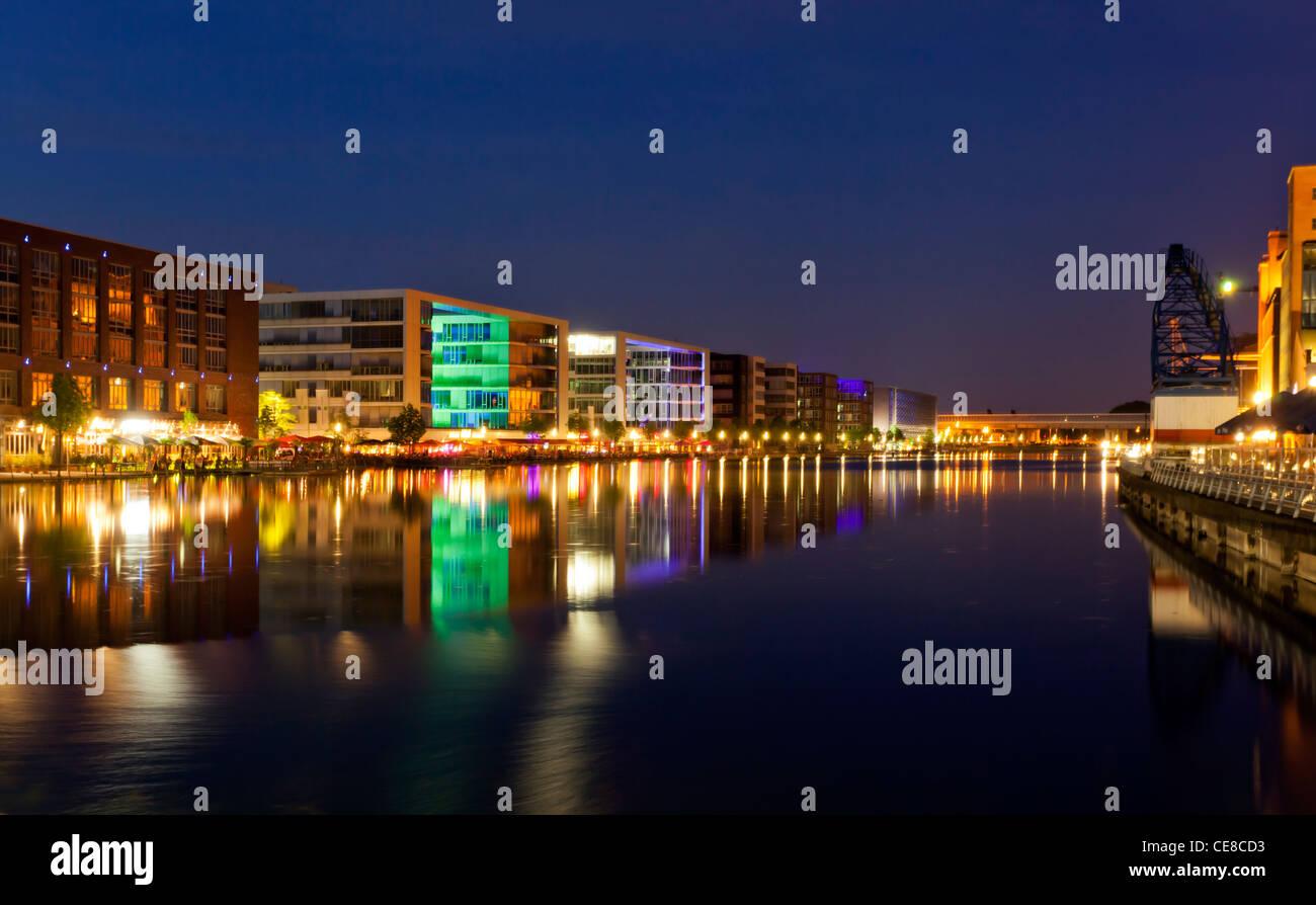 Duisburg Innenhafen at night - Stock Image