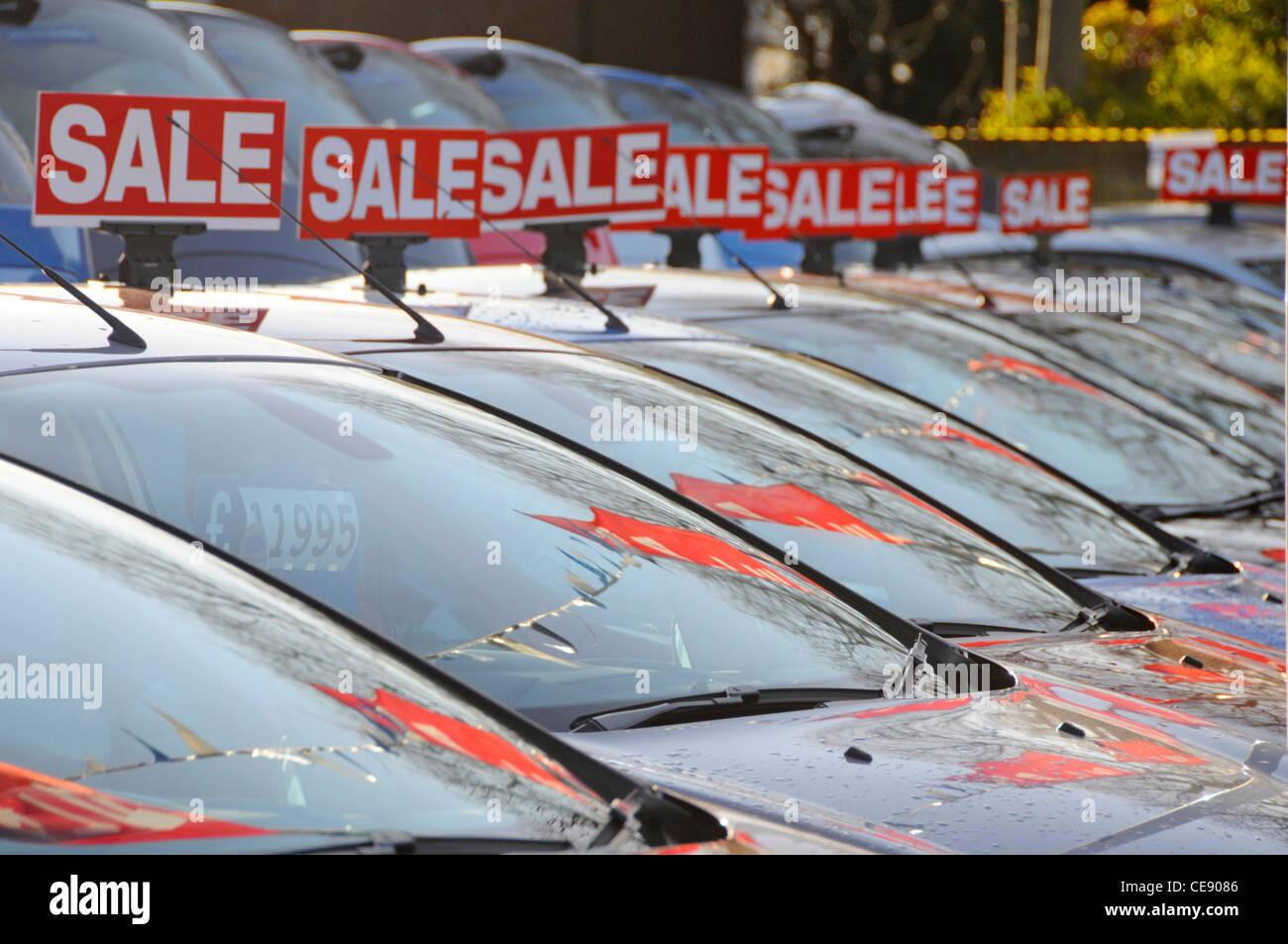 Car Sales Forecourt Stock Photos & Car Sales Forecourt Stock Images ...