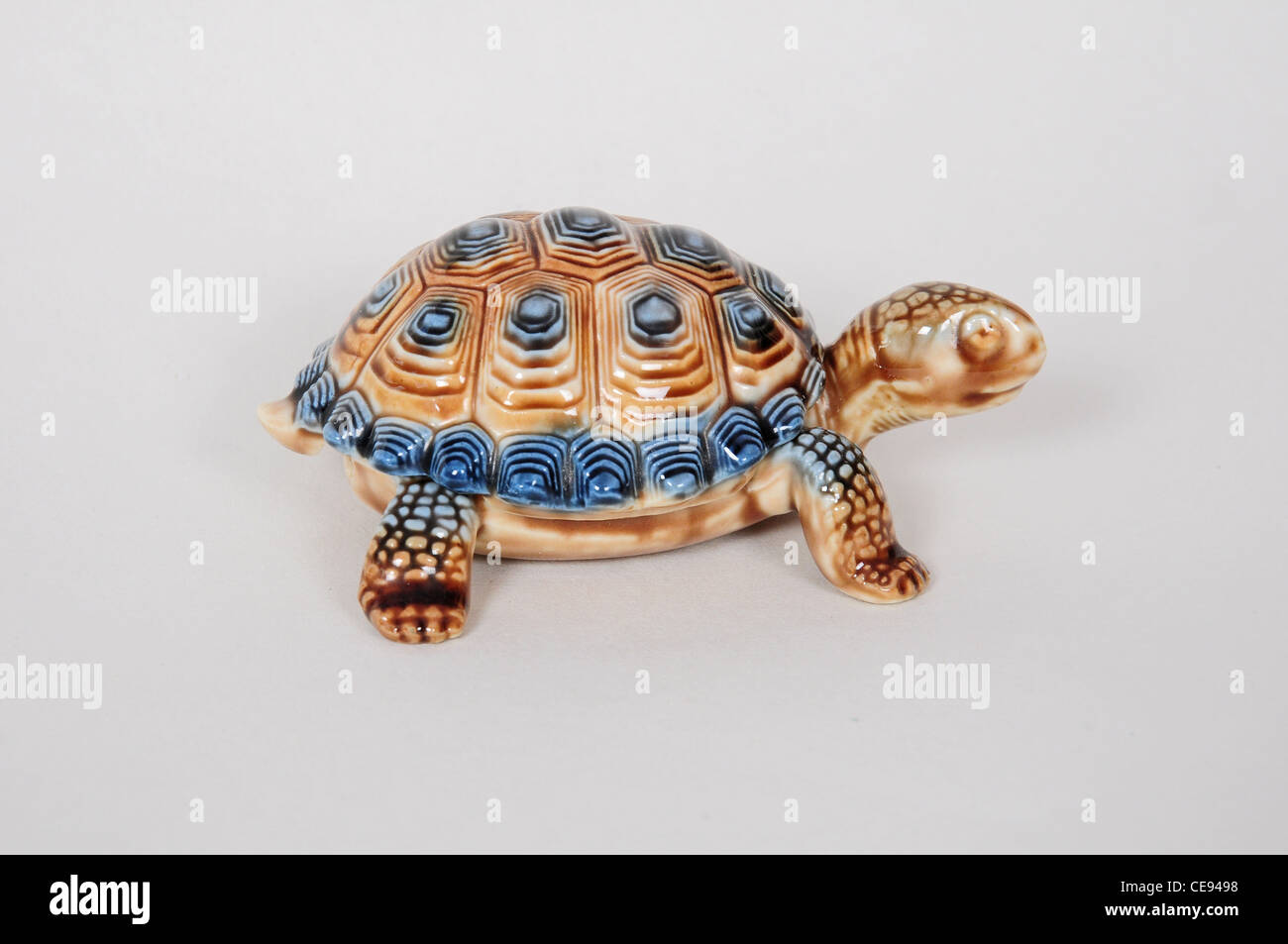 tortoise ash tray by Wade - Stock Image
