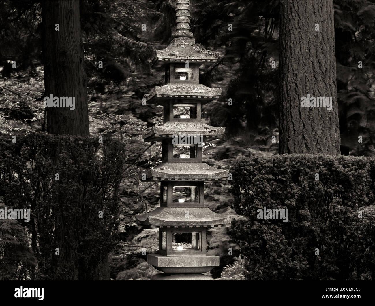 Lit lanterns in Portland Japanese Gardens. Oregon - Stock Image