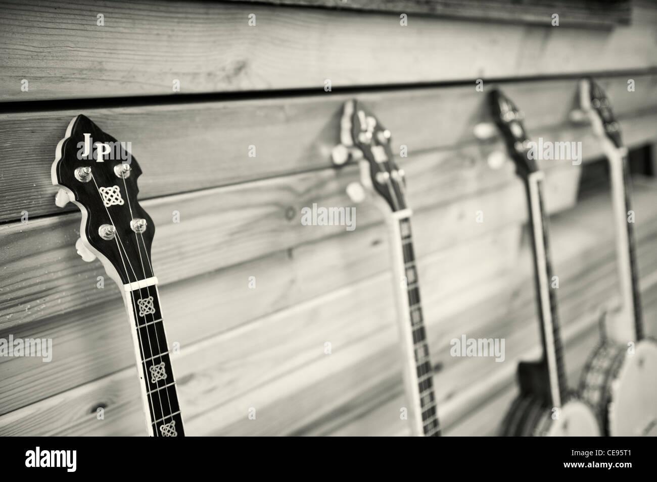 Banjos Stock Photos & Banjos Stock Images - Alamy