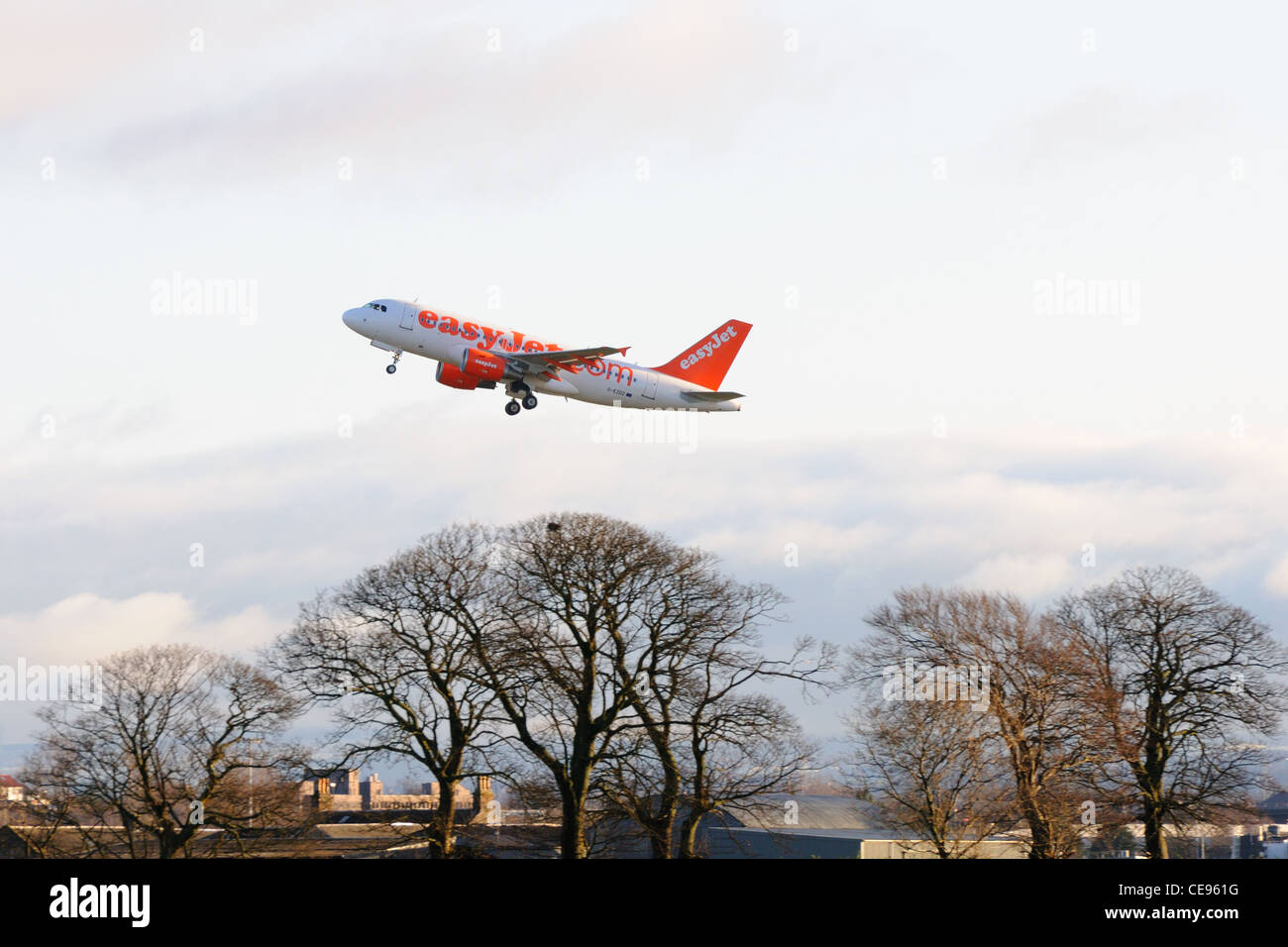 Easy Jet plane takes off from Glasgow international airport - Stock Image