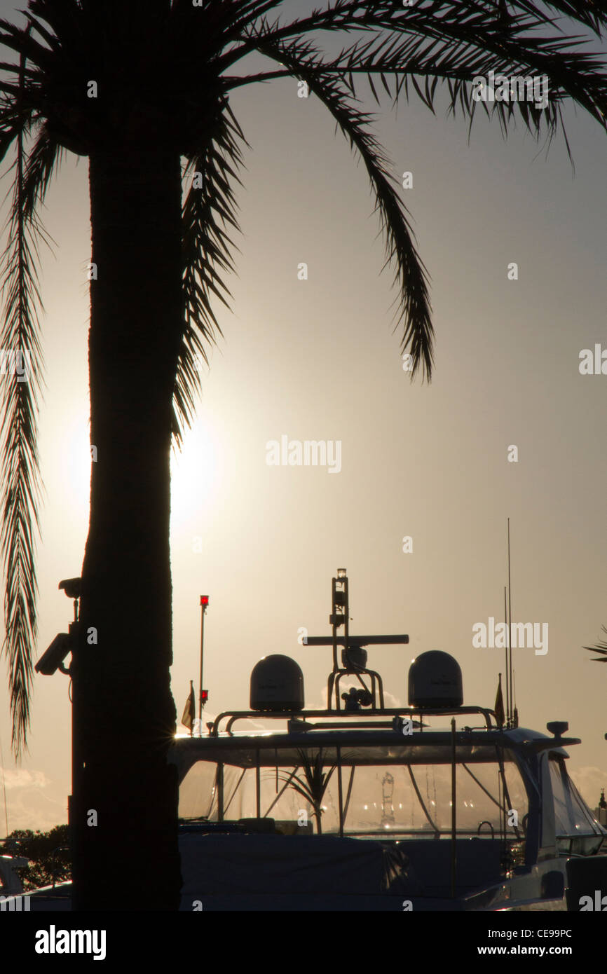 luxury yacht motorboat radar and safety equipment equipments for navigation silhouettes mounted aboard - Stock Image
