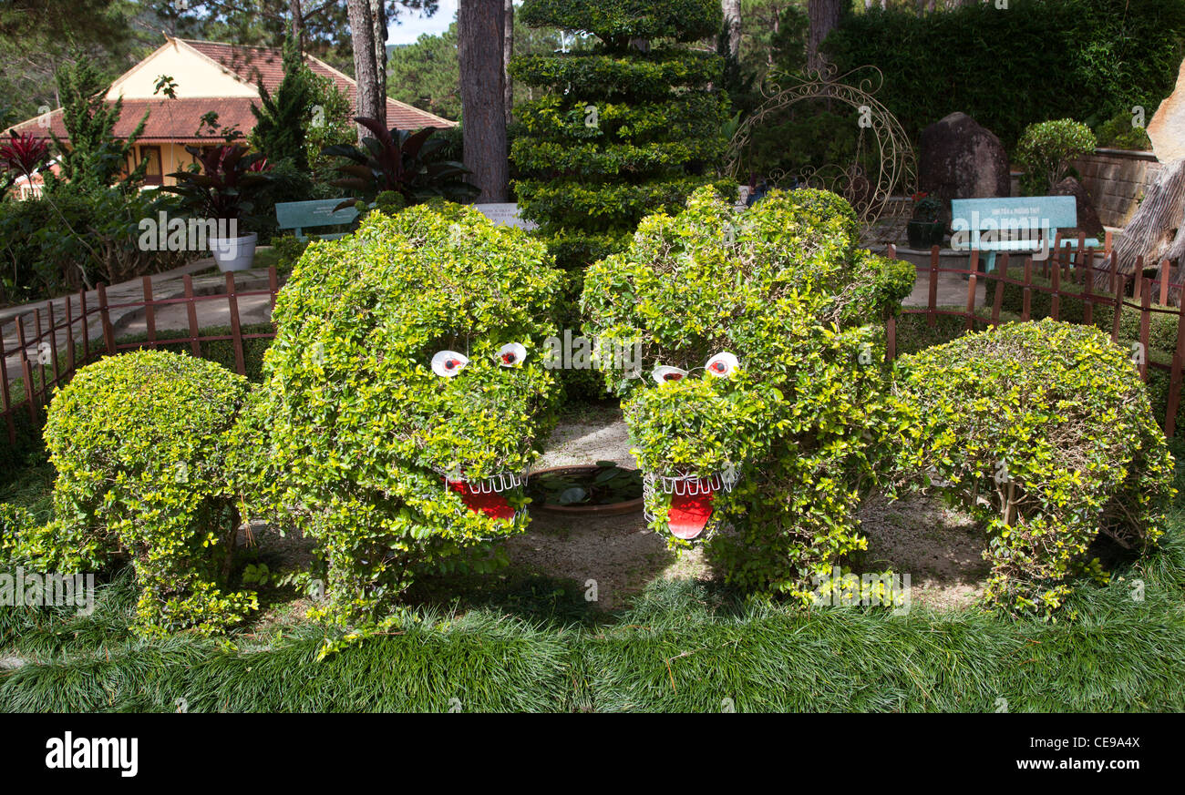 Topiary Lions Gardens at the Trúc Lâm Temple Dalat - Stock Image