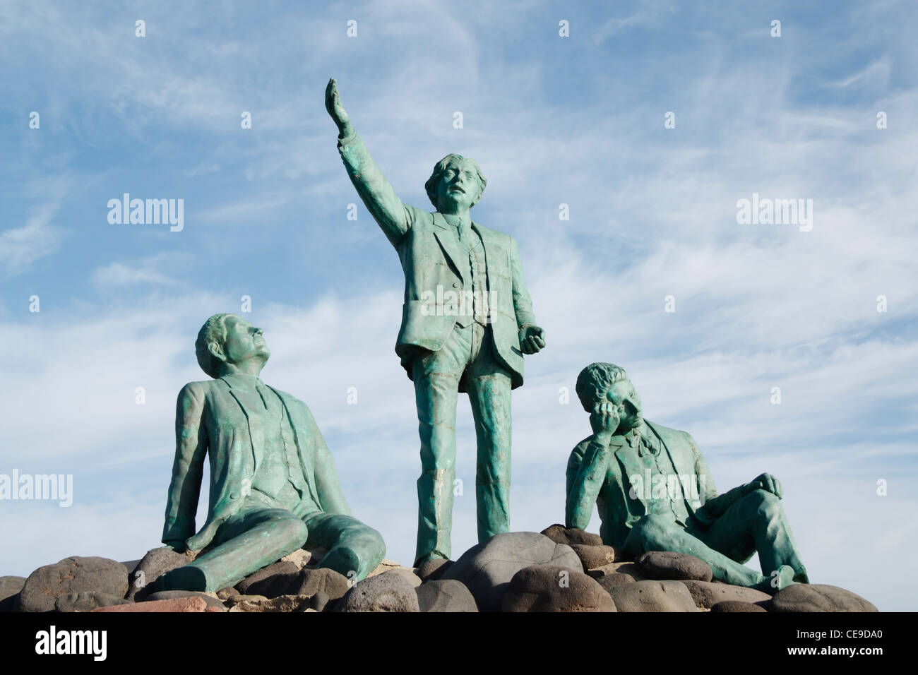 Sculpture of local poets in Agaete on Gran Canaria. From left: Saulo Toron, Tomas Morales and Alonso Quesada - Stock Image