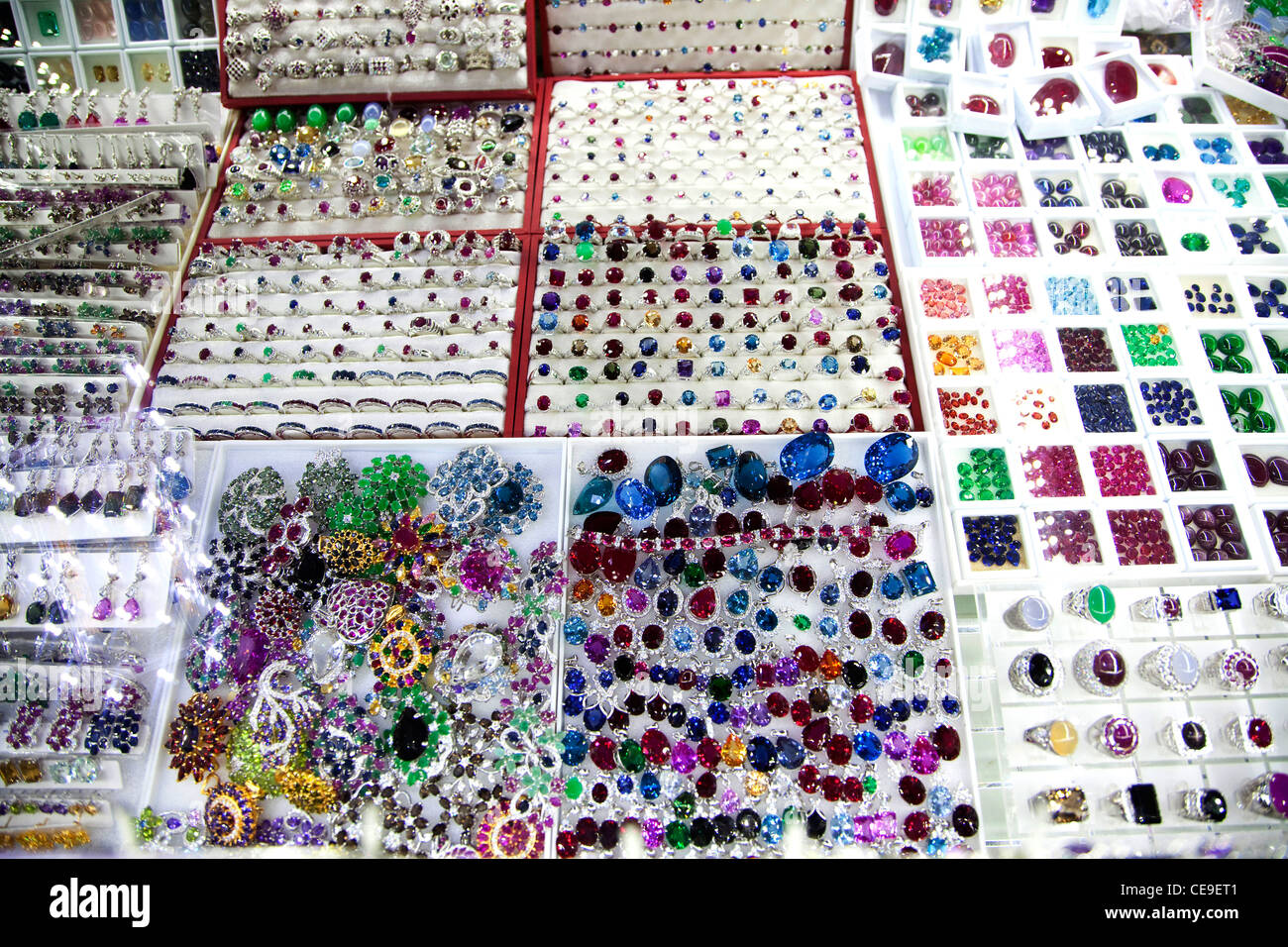 Jewels and gems in jewelry, Central market, Phnom Penh, Cambodia, Asia - Stock Image