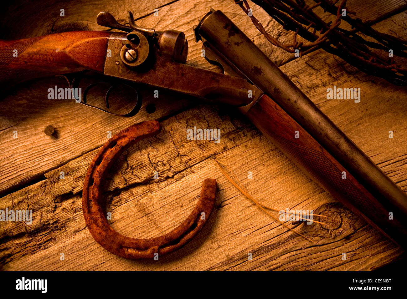 12 Gauge Shotgun Stock Photos & 12 Gauge Shotgun Stock