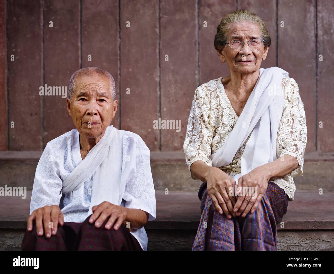 Dao older mature asian women