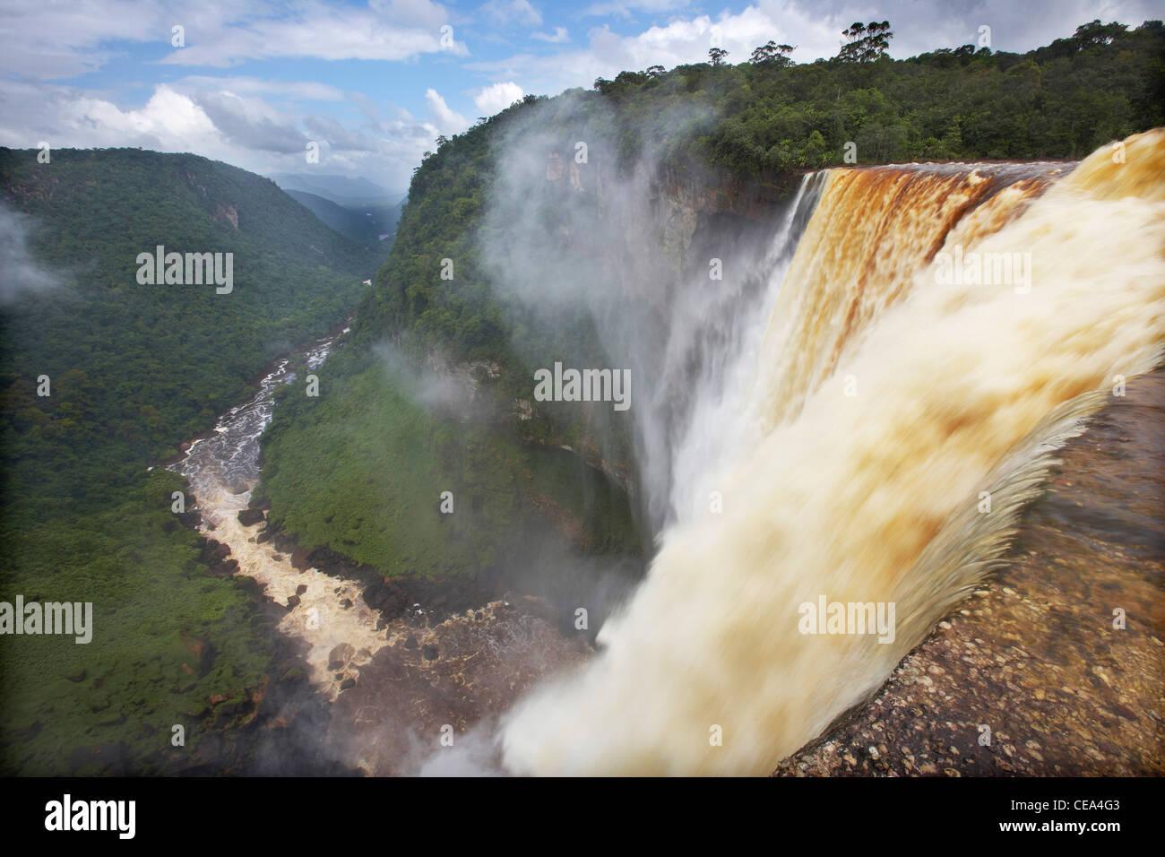 Kaieteur Falls, Potaro River, Guyana, South America, reputedly the world's largest single-drop waterfall. - Stock Image