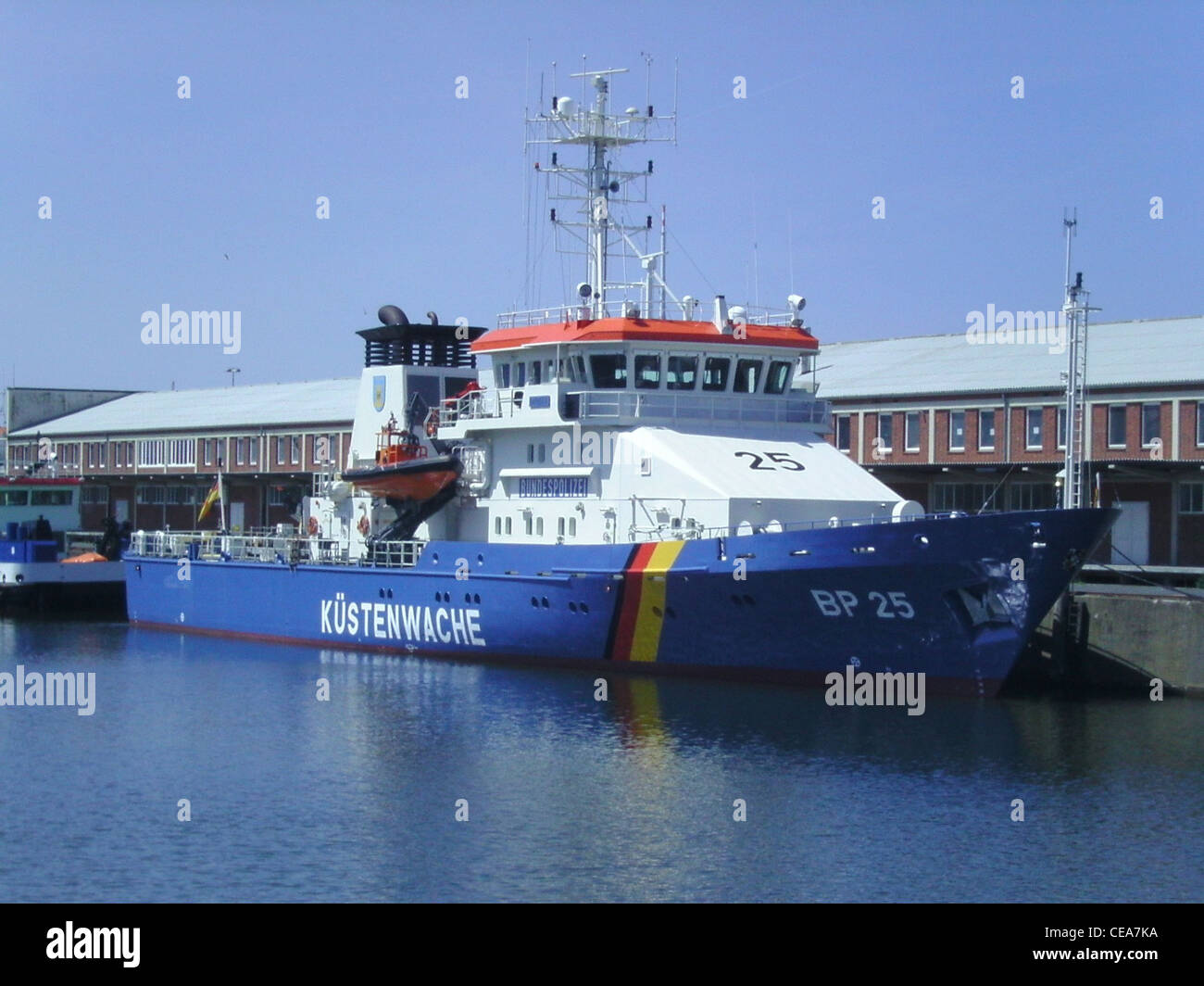 The patrol boat BP 25 Bayreuth of the Federal Police of Germany in the port of Cuxhaven - Stock Image
