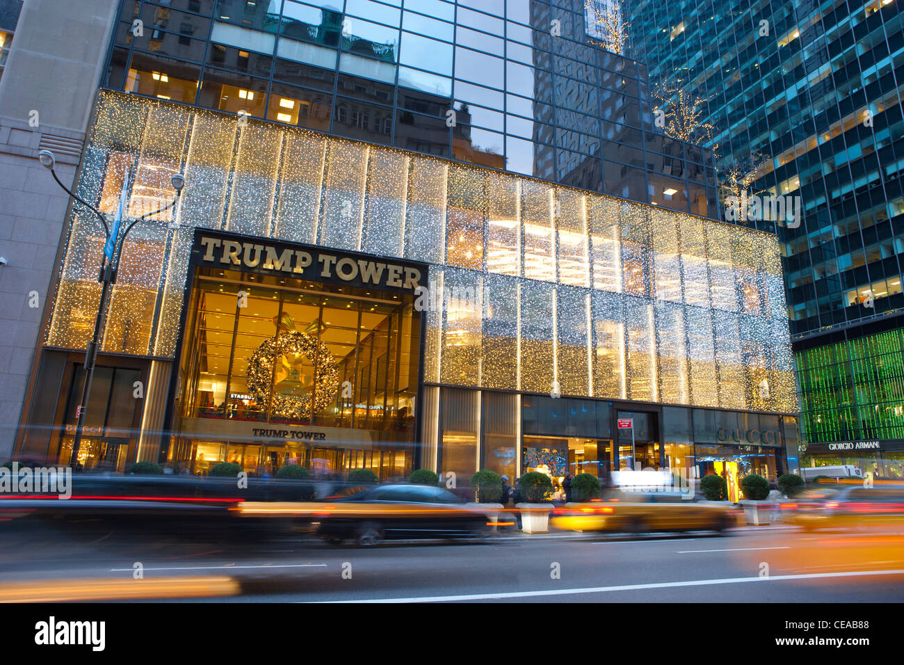 Fifth Avenue Traffic in front of Trump Tower, New York - Stock Image