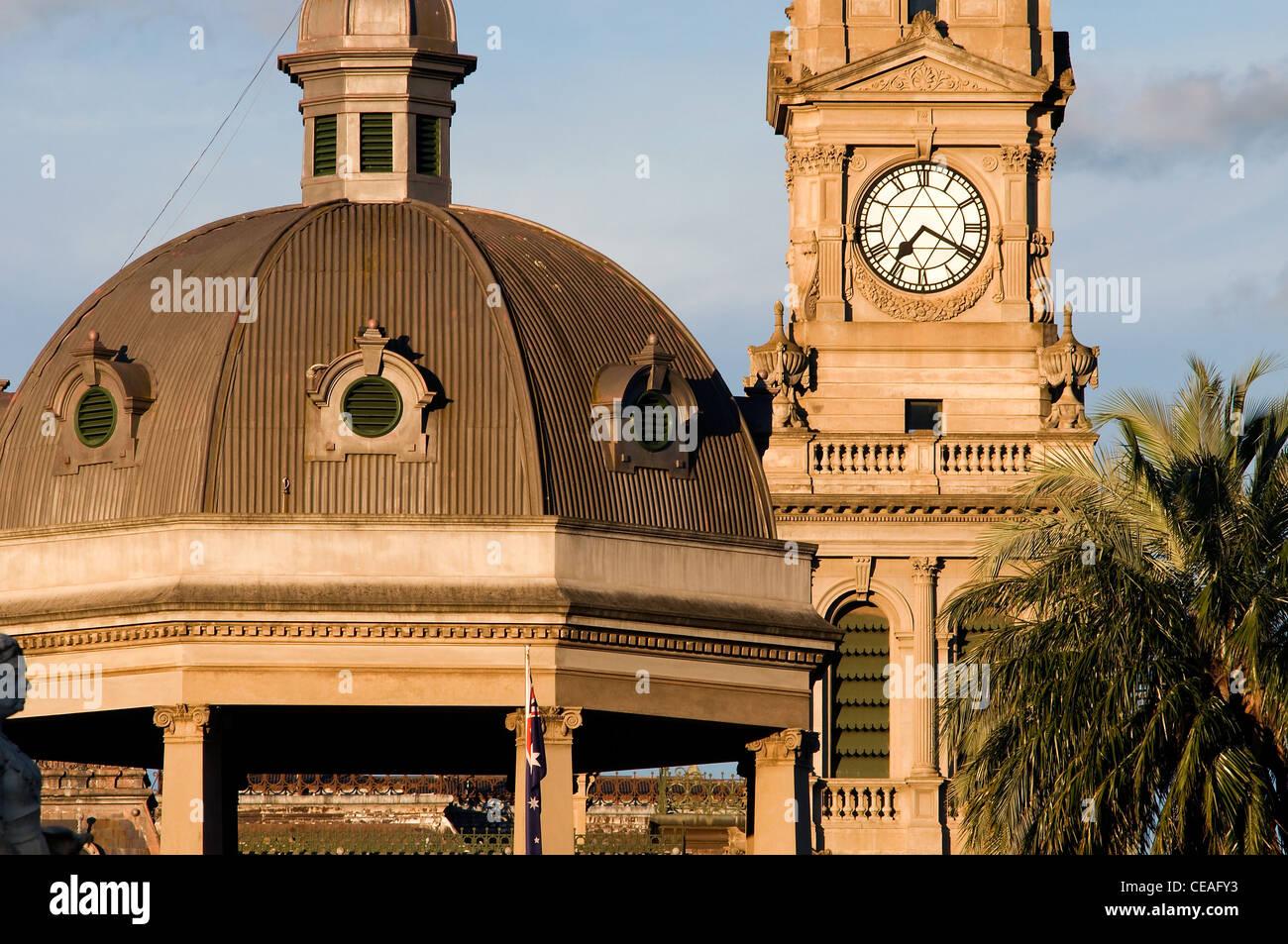 Bendigo RSL Memorial Hall & Military Museum and Post Office. - Stock Image