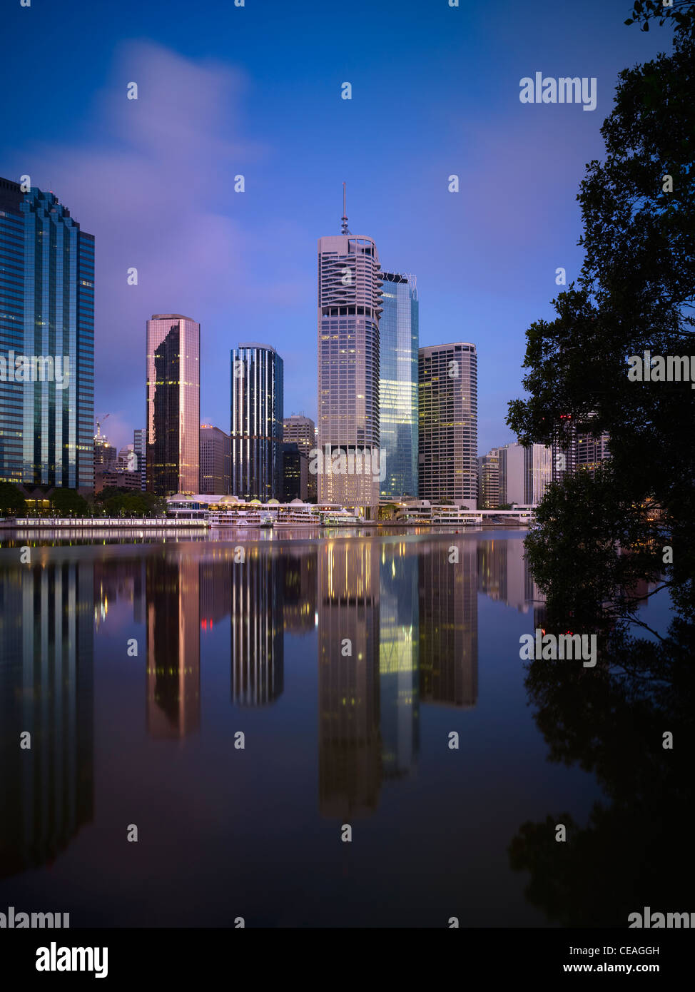 Brisbane cityscape and river at dawn - Stock Image