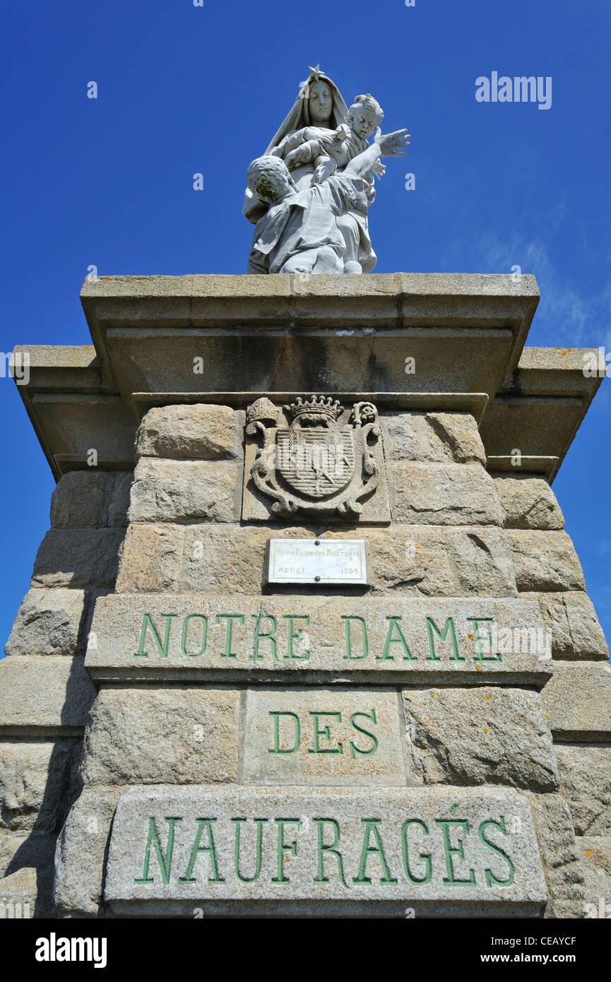 The statue Notre-Dame des naufragés at the Pointe du Raz at Plogoff, Finistère, Brittany, France Stock Photo