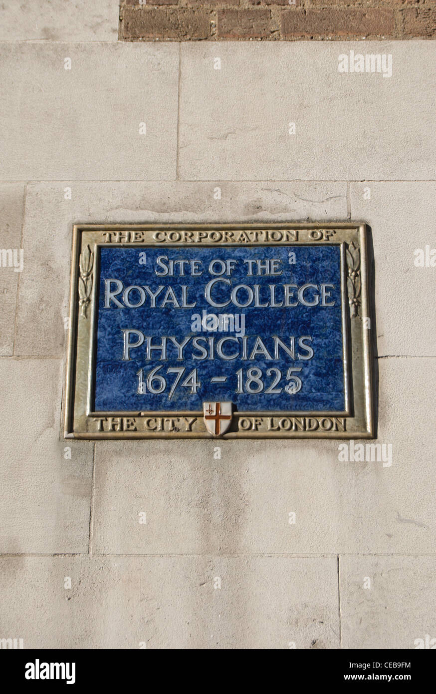 city of london blue plaque marking the 1674 to 1825 site of the royal college of physicians, warwick lane, london, - Stock Image