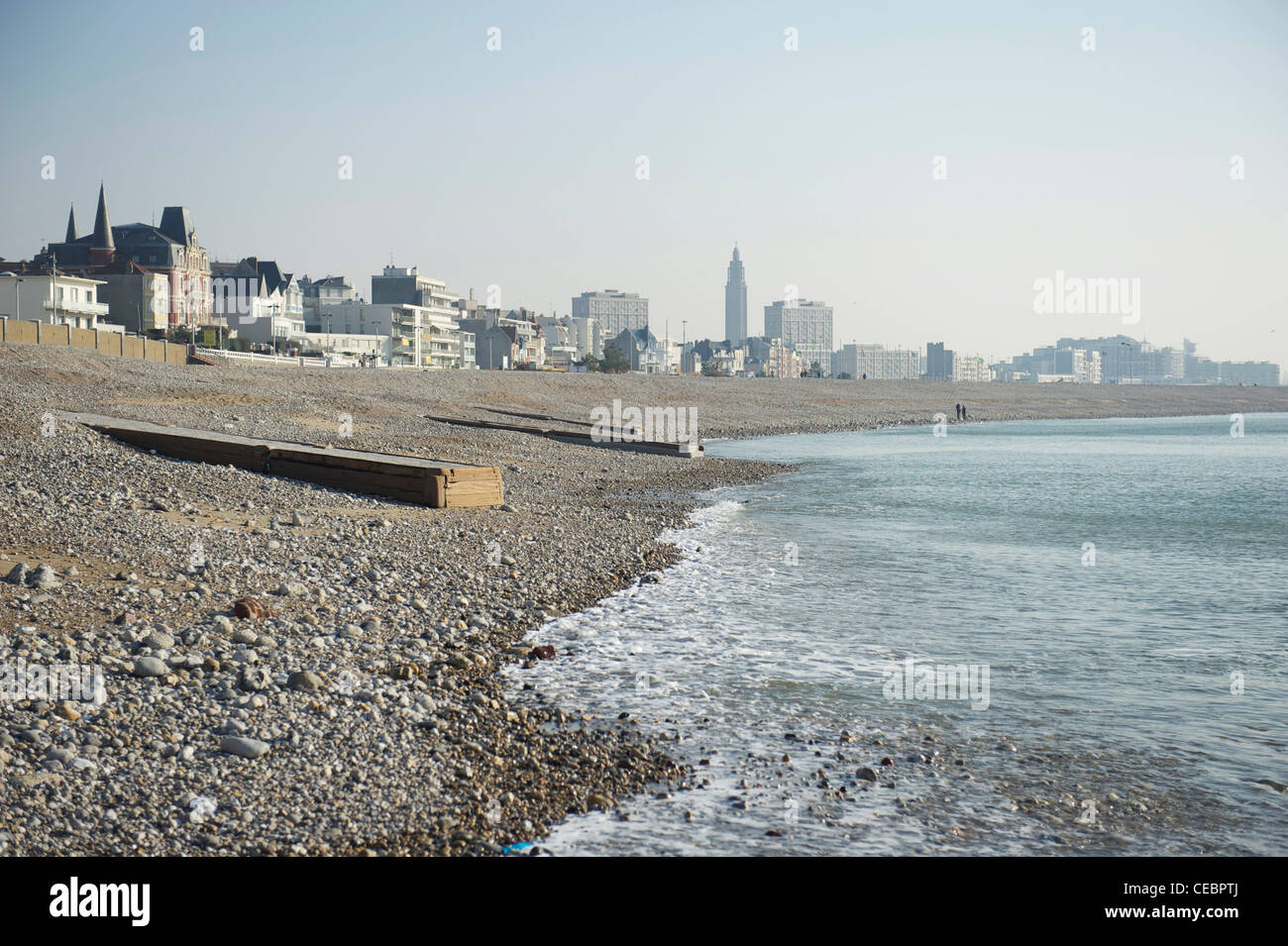 The pebble beach of Le Havre on the Seine estuary in Normandy, France - Stock Image