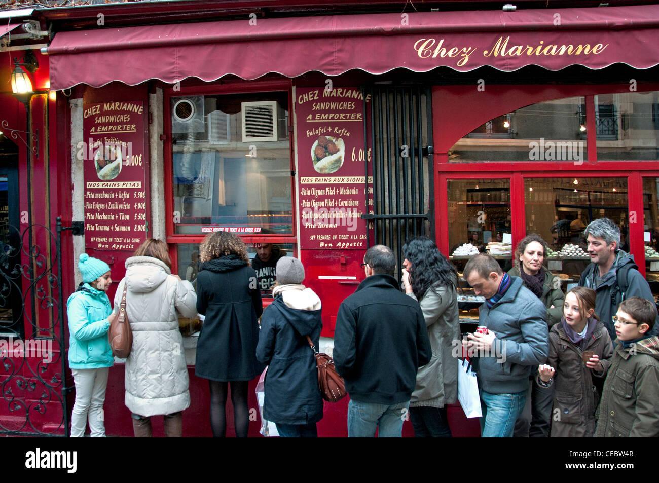 Chez Marianna falafel kefta fast food restaurant Marais Paris France - Stock Image