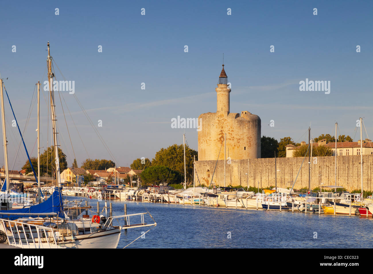 Completed in 1248, the Constance Tower is the oldest part of Aigues-Mortes defences. - Stock Image
