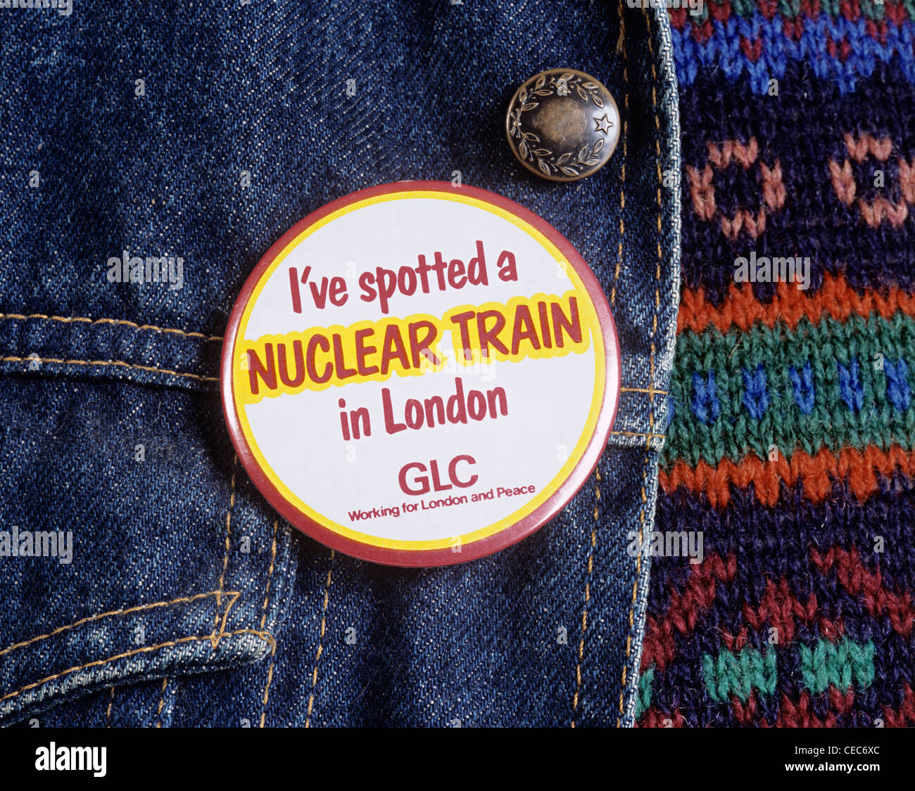 'I've spotted a nuclear train in London' badge, produced by the Greater London Council (GLC) in 1983. - Stock Image