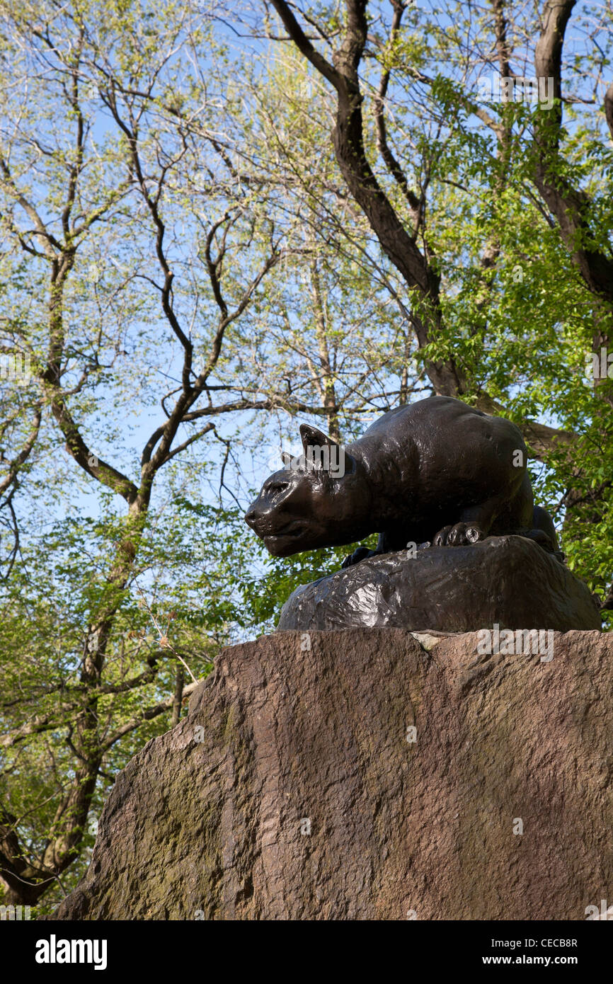 """Still Hunt"" Cougar Sculpture, East Drive, ""Cat Hill"", Central Park, NYC Stock Photo"