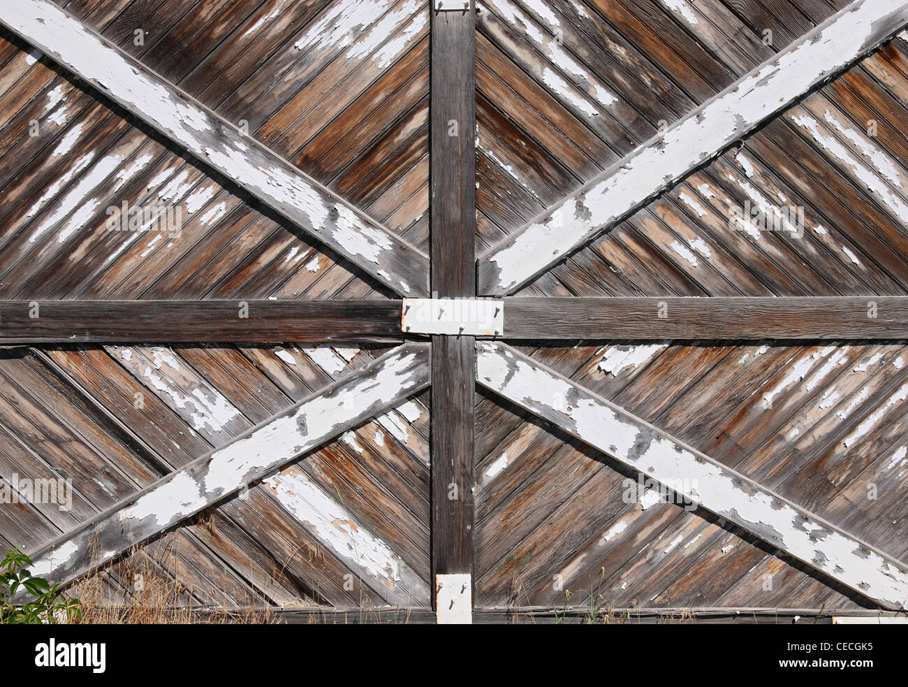 old rustic barn wood door - Stock Image