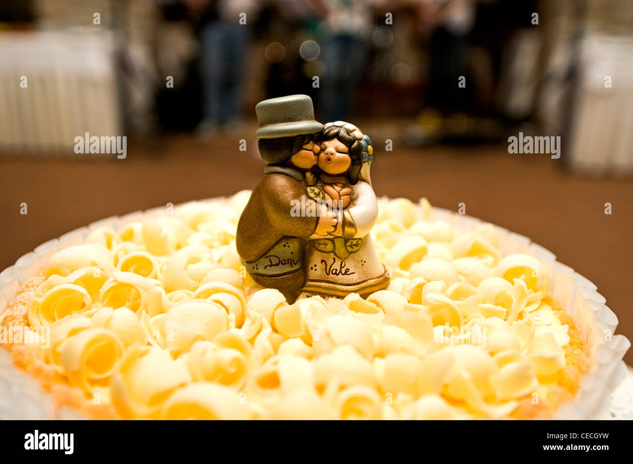 cake topper at an italian wedding Stock Photo 43302669 Alamy