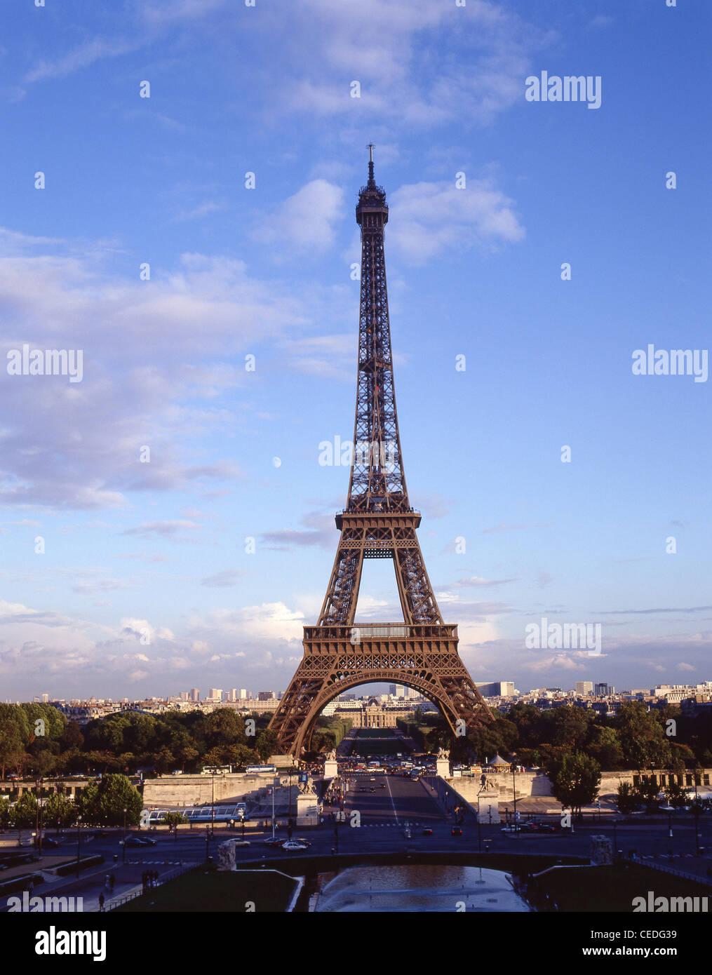 Eiffel Tower from The Trocadéro site of Palais de Chaillot, Paris, Île-de-France, France - Stock Image