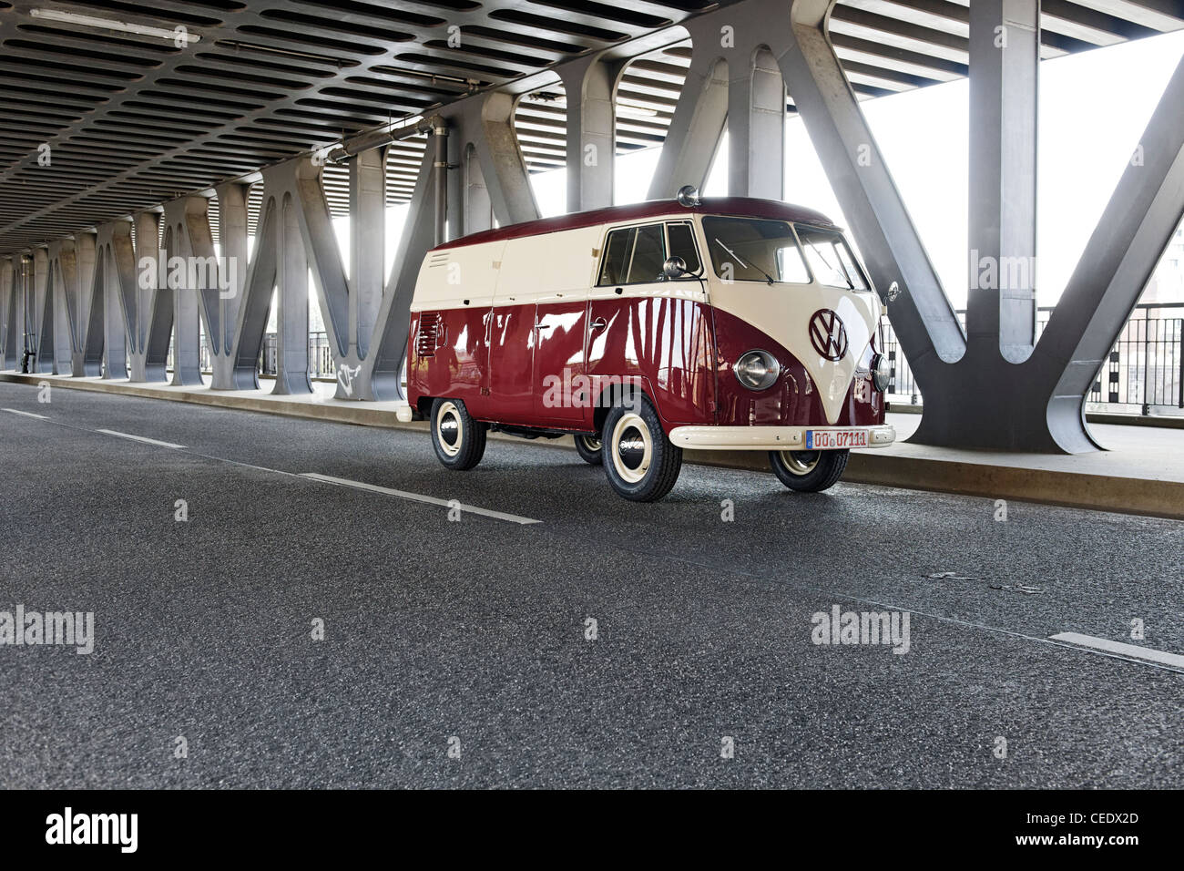 Vintage car, VW Bus T1, Oberhafenbrücke Upper Harbour Bridge, Hamburg, Germany, Europe - Stock Image
