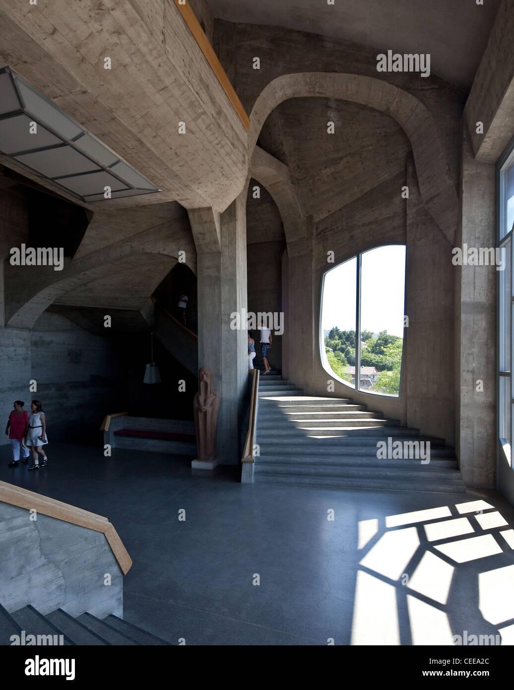 Dornach, Goetheanum, Sitz der Allgemeinen Anthroposophischen Gesellschaft, Baubeginn 1925, Haupttreppenhaus Terrassenebene - Stock Image
