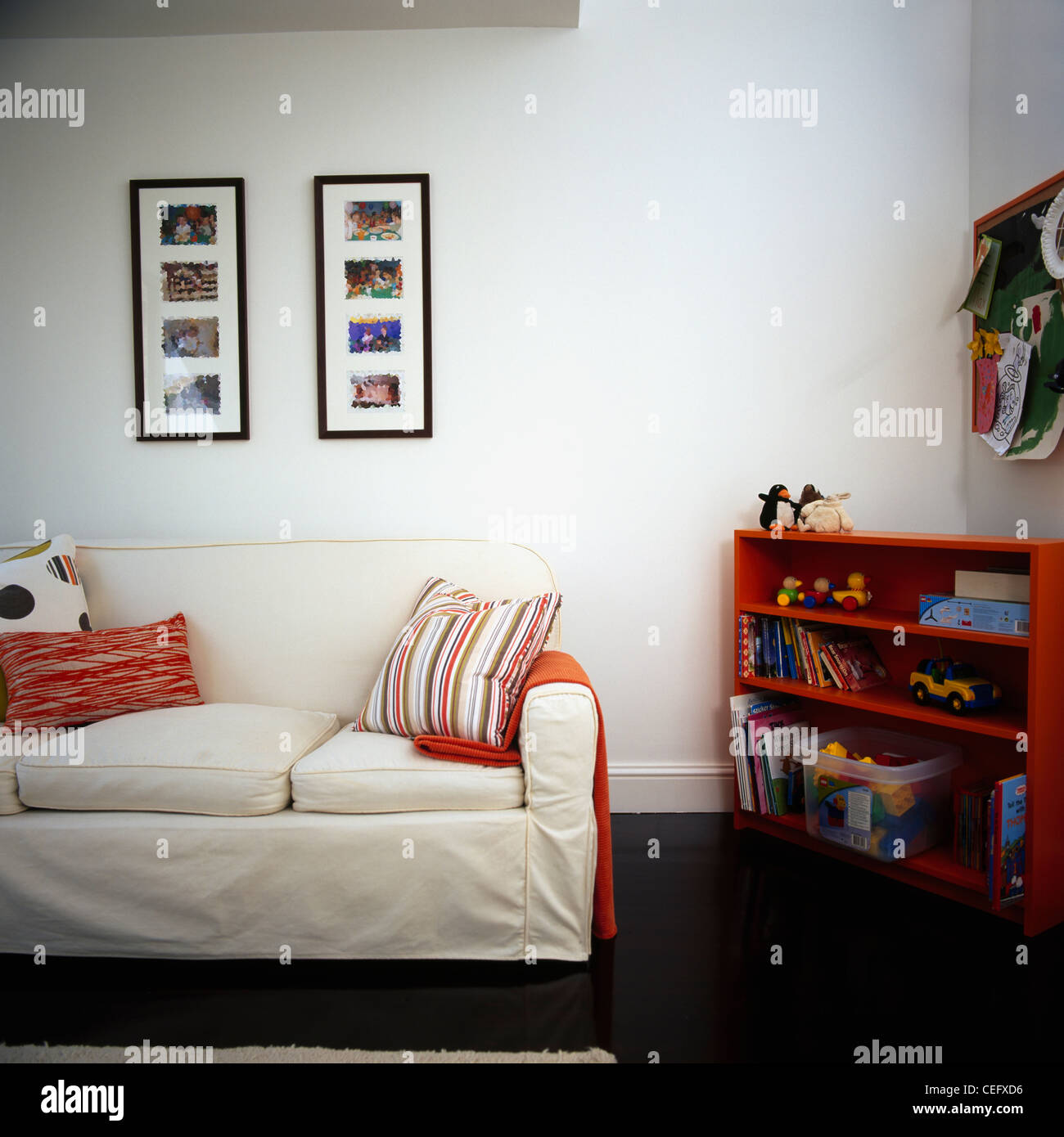 Framed Photographs Living Room Stock Photos & Framed Photographs ...