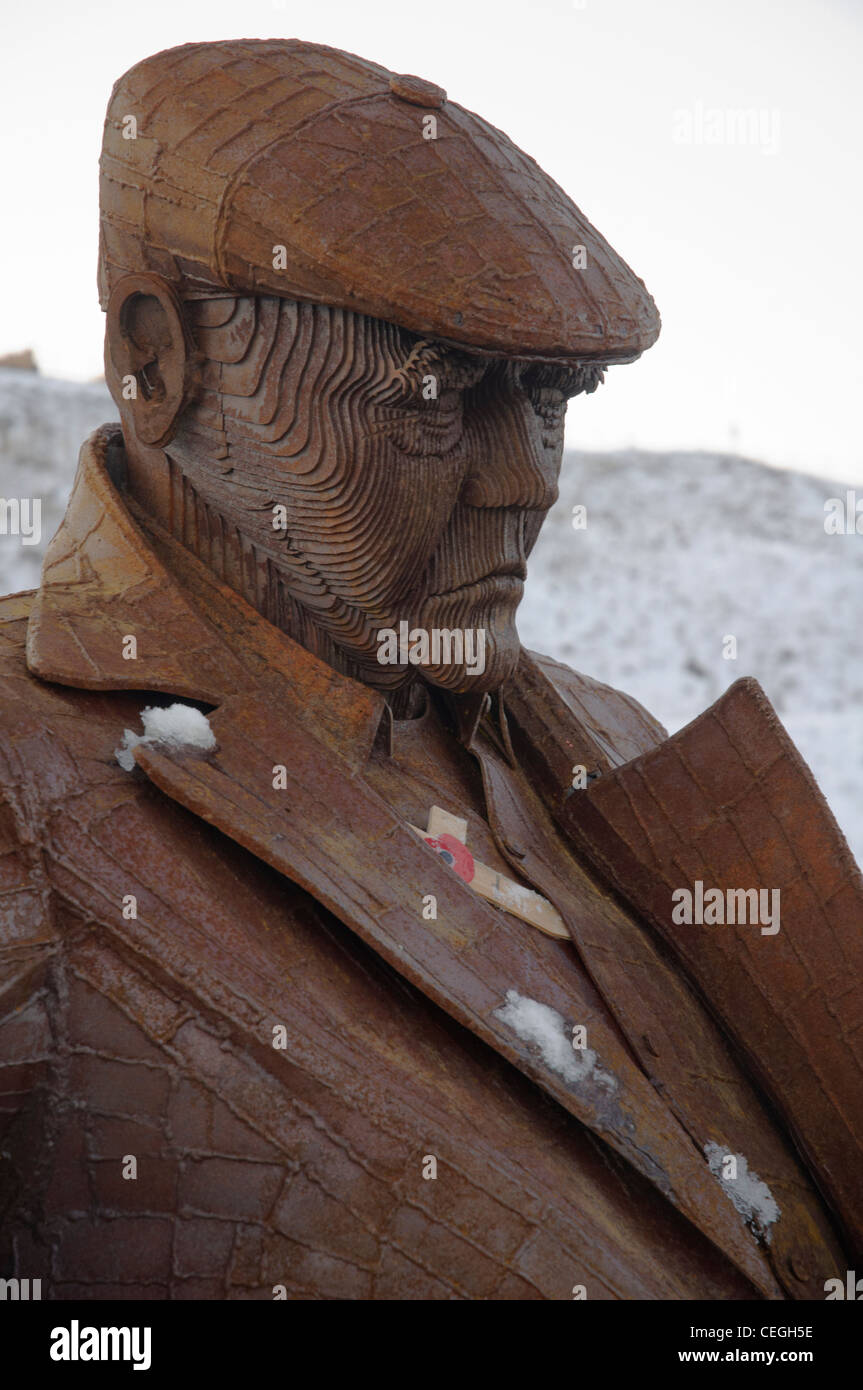 'Freddie Gilroy and the Belsen Strangler'.  A sculpture by Ray Lonsdale. - Stock Image