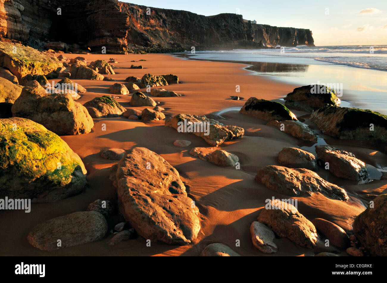 Portugal, Algarve: Beach Praia do Tonel in Sagres - Stock Image