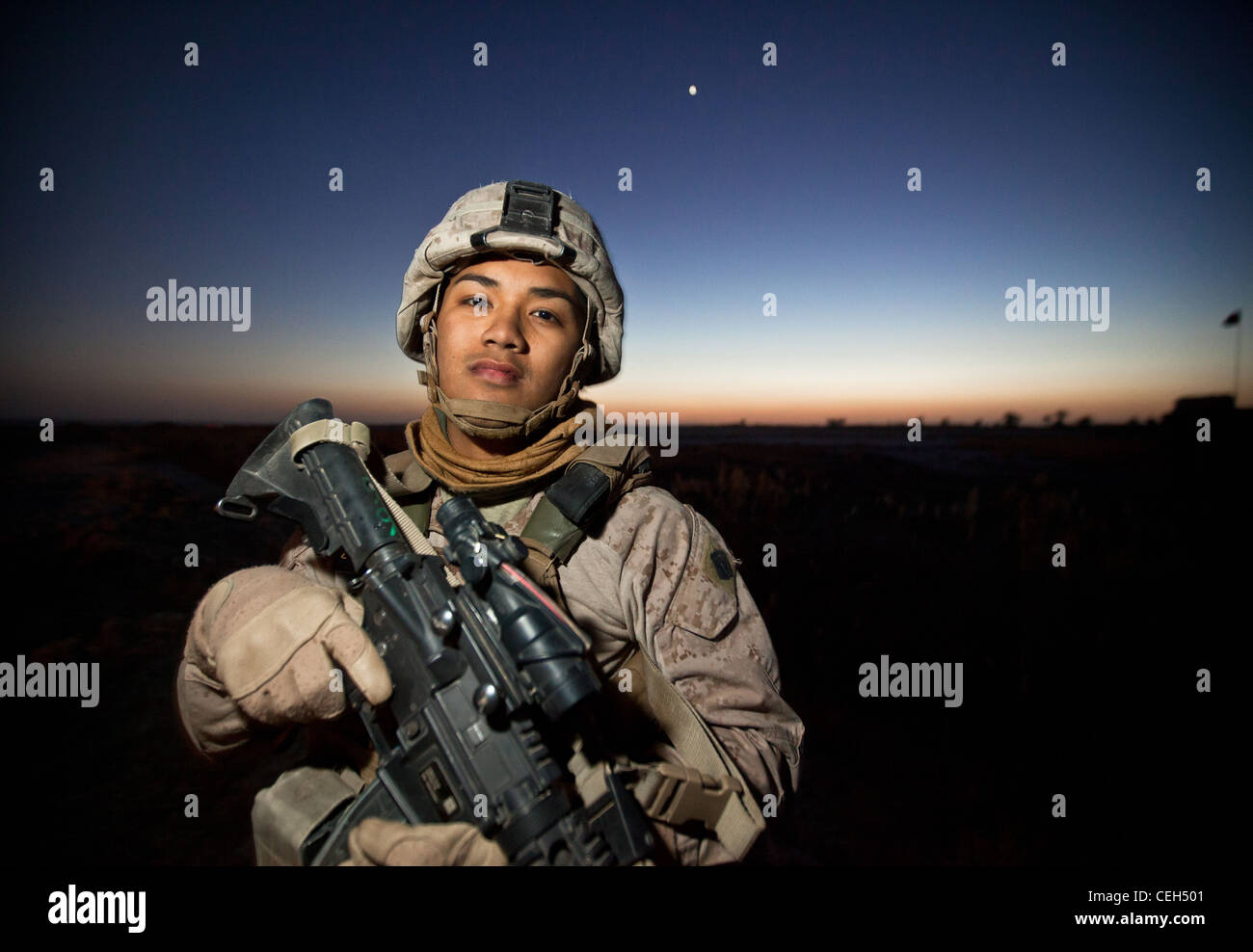 Petty Officer Third Class Michael Soto (left), the corpsman for Bridge Platoon, Alpha Company, 9th Engineer Support - Stock Image