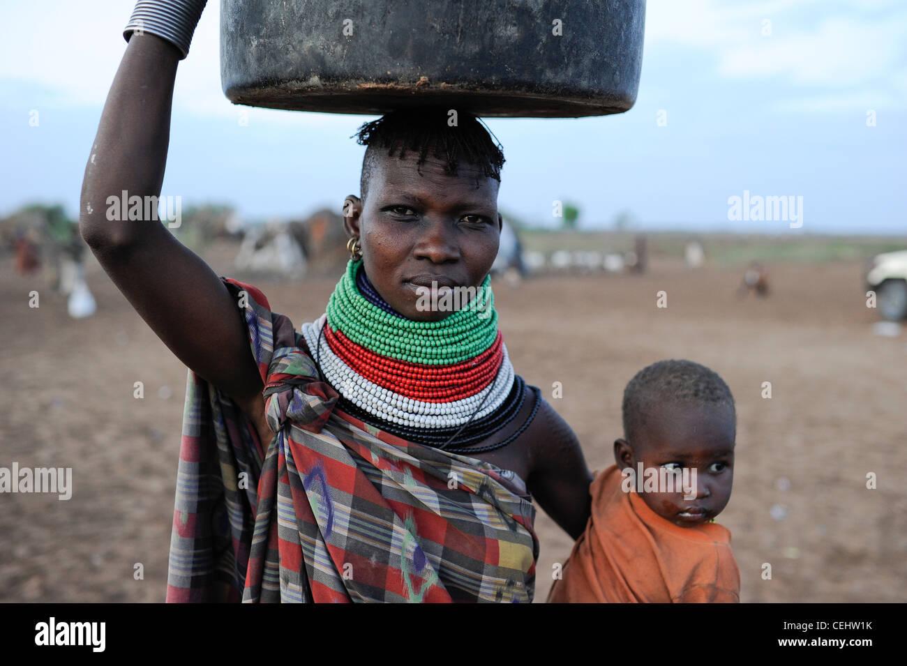 Africa KENIA Turkana Region, Kakuma, Turkana tribe suffer from drought and food shortage, food distribution by Don Stock Photo