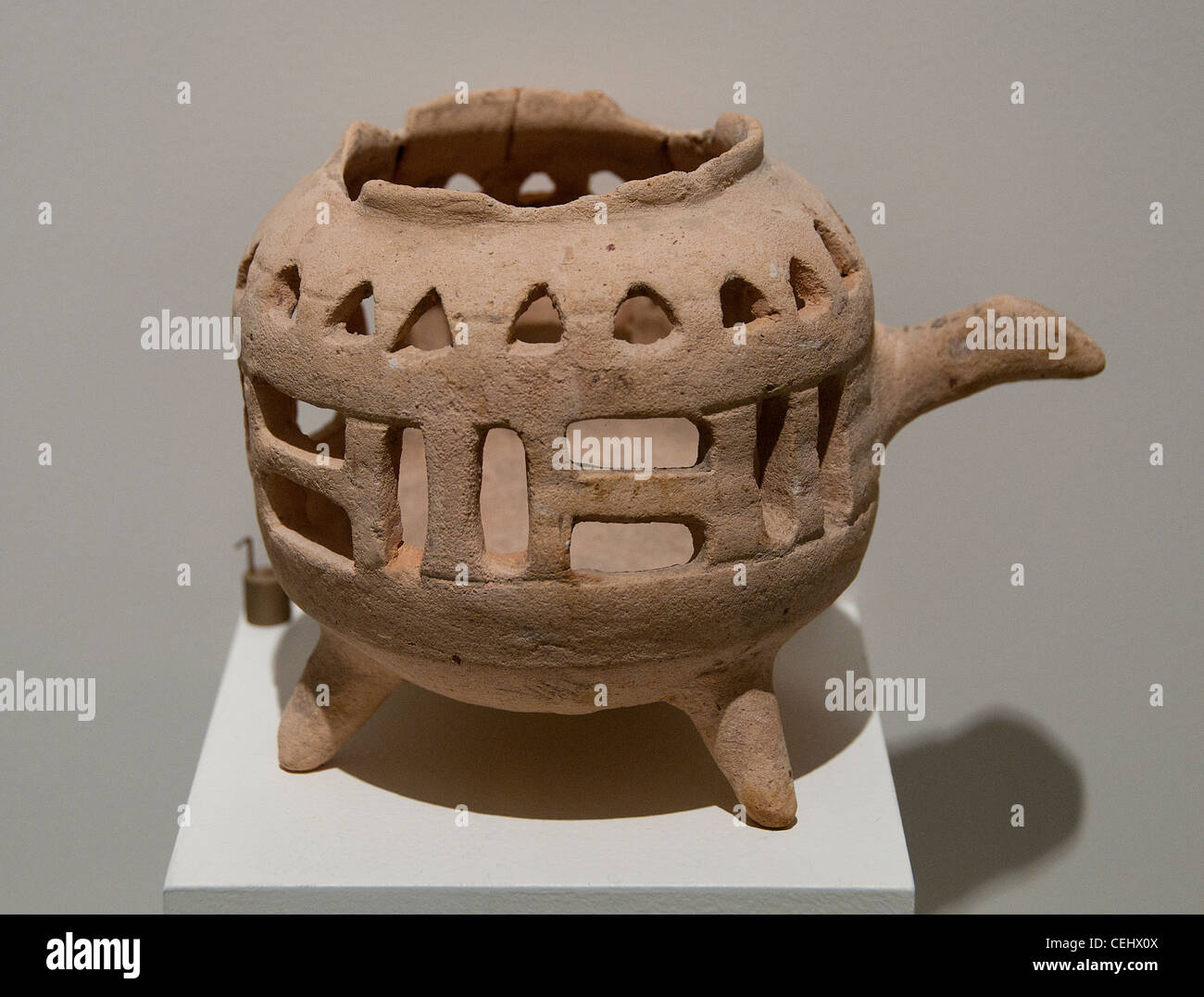 Brule fragrance tripod pottery Vietnam Dong Tac era Giao Chi Thanh Hoa 1-3 Century - Stock Image