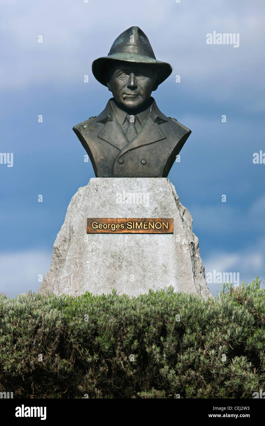 Statue of Belgian writer and novelist Georges Simenon at Liège, Belgium - Stock Image