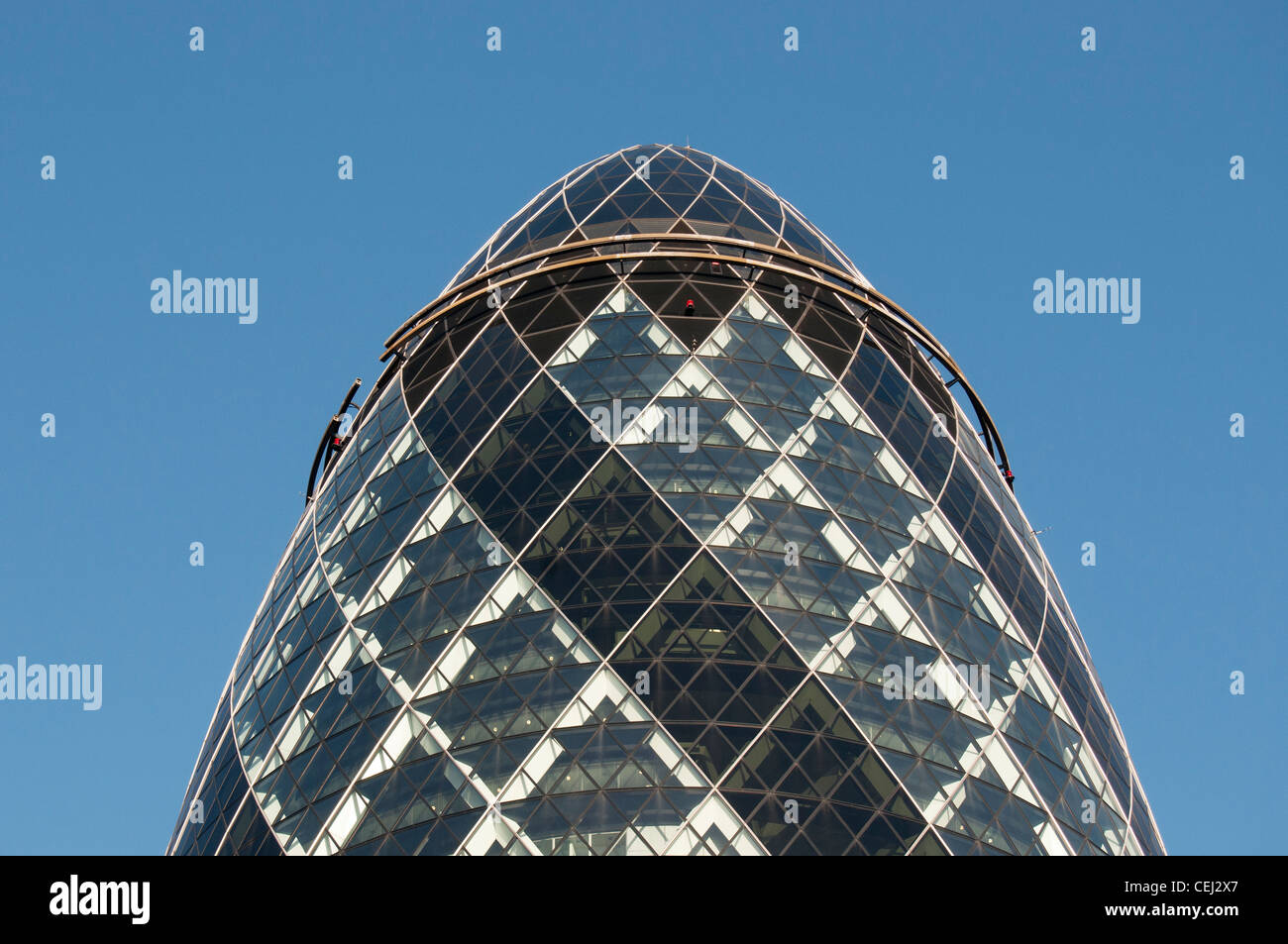 30 St Mary Axe (Swiss Re Building or Gherkin) Skyscraper by Norman Foster, City of London, England, United Kingdom - Stock Image