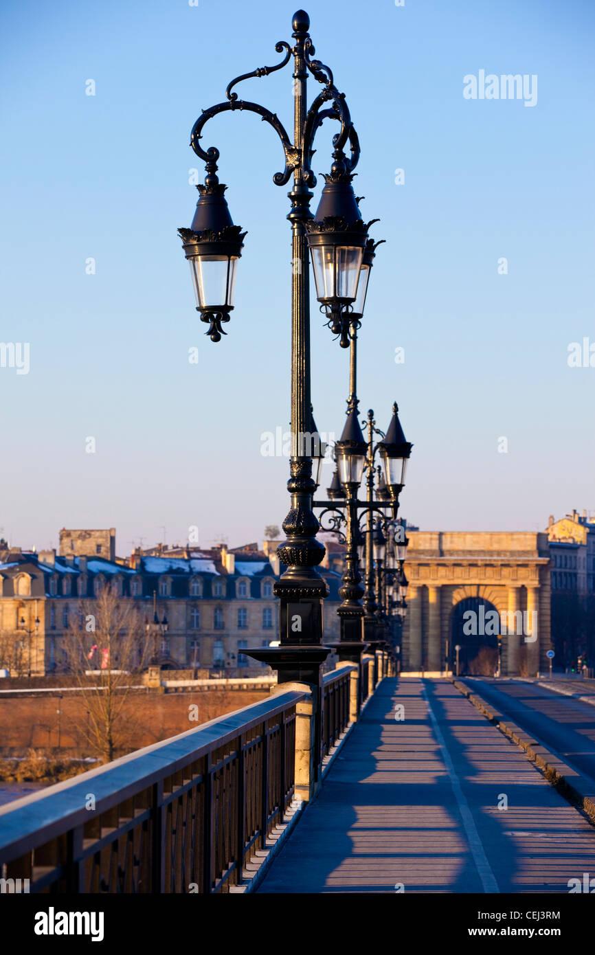 Pont de Pierre bridge crossing La Garonne River, Bordeaux, France. - Stock Image