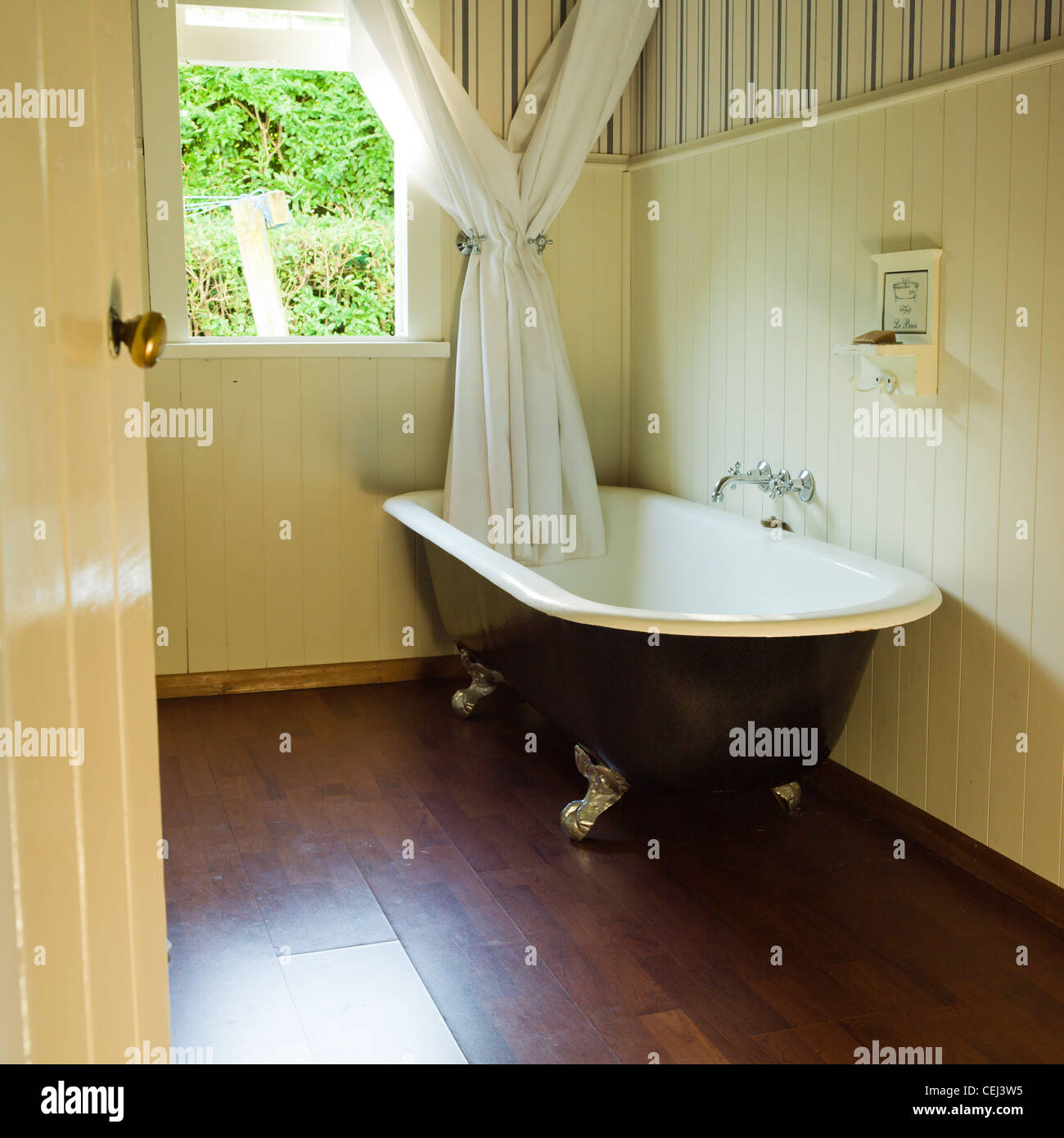 Ball And Claw Bath Stock Photos & Ball And Claw Bath Stock Images ...