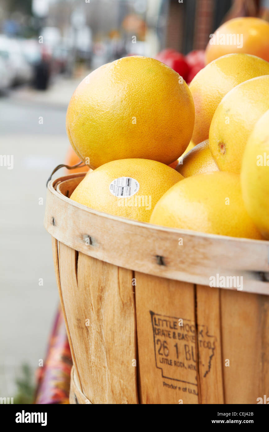 Grapefruit for sale Stock Photo