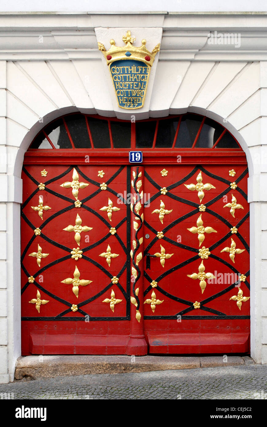 Portal of a restored residential building on the Lower Market in Goerlitz. - Stock Image