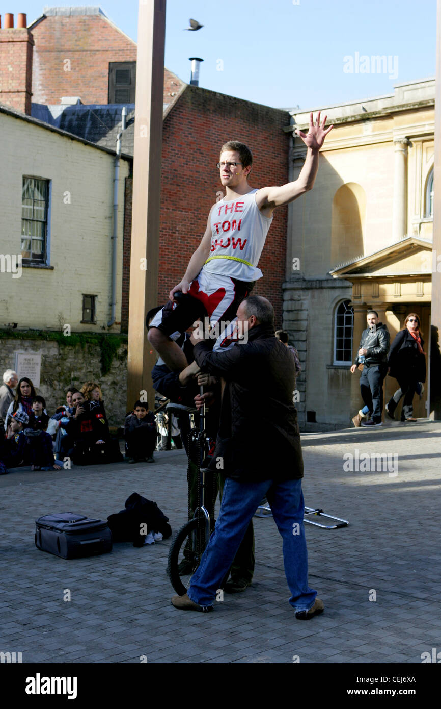 the tom show in oxford - street performer - Stock Image