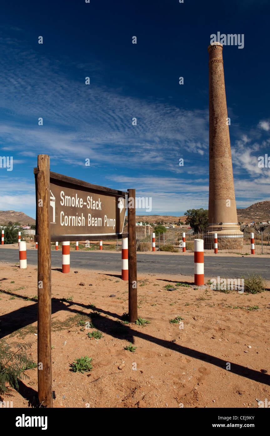 Monument: Cornish Beam Pump and Smoke Stack built for copper mining in Okiep outside Springbok,Namaqualand,Northern - Stock Image