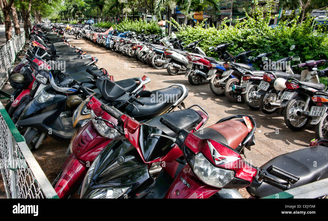 motor bikes cycles motorbikes motorcycles lots many group vietnam - Stock Image