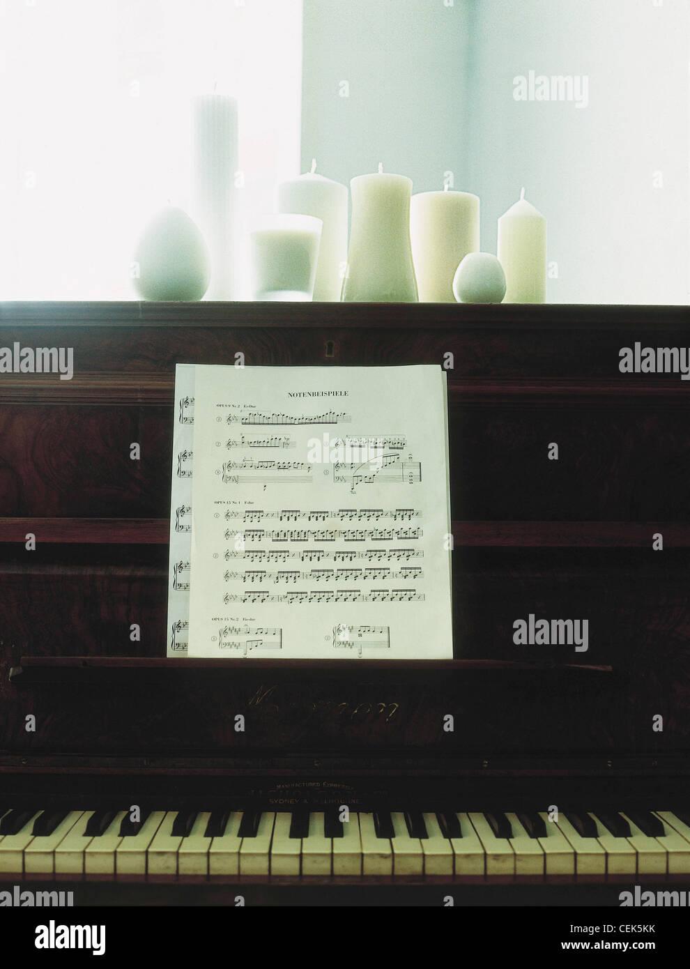 Piano Sheet Music Stock Photos & Piano Sheet Music Stock